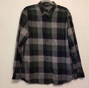 Eddie Bauer Favorite Flannel Shirt- classic fit